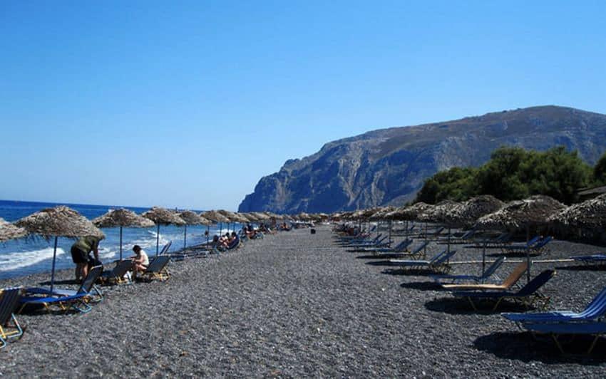 kamari-beach2