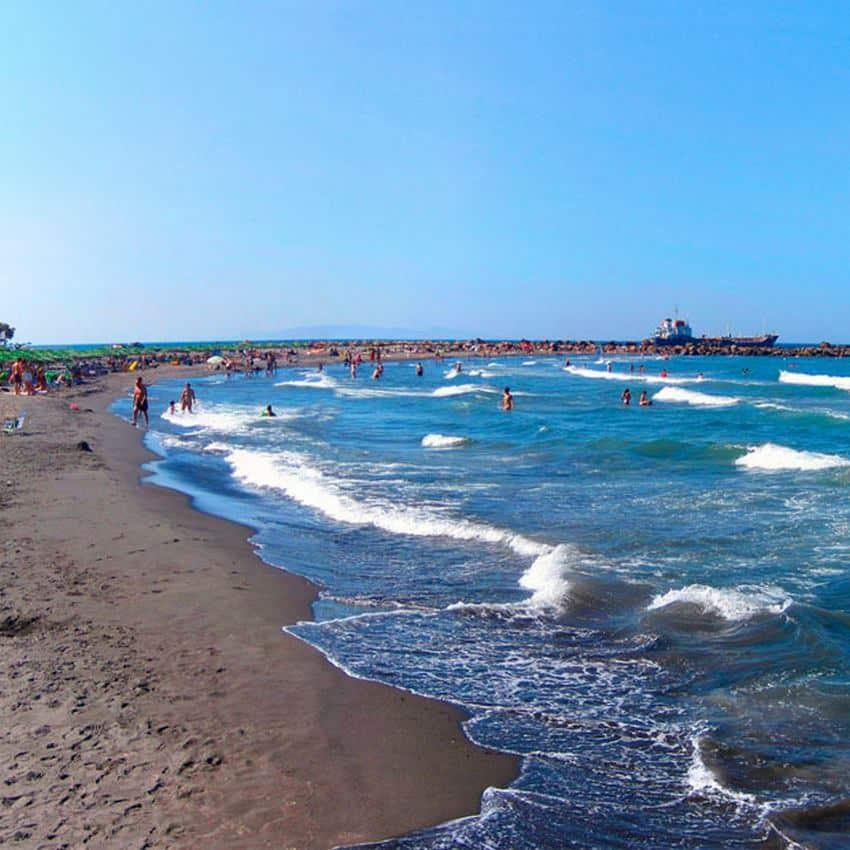 Παραλία Μονόλιθος