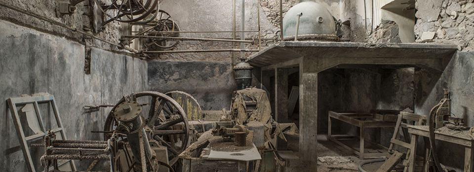 Έκθεση Φωτογραφίας των εργοστασίων ντομάτας της Σαντορίνης