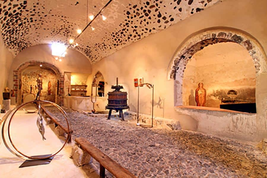 art space - 9 museums in Santorini