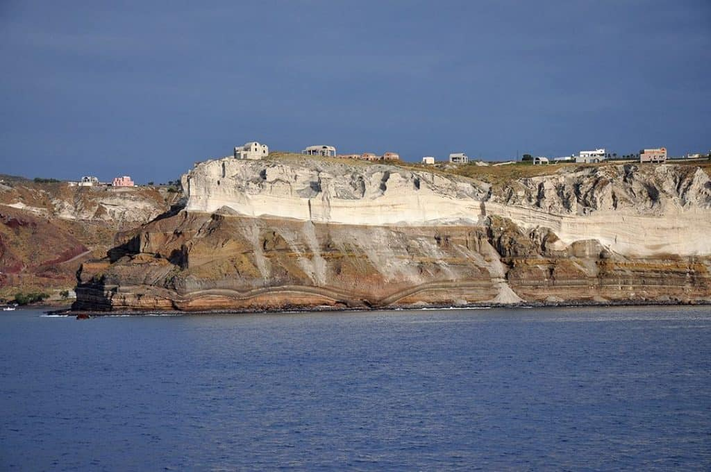 santorini-akrotiri-beach