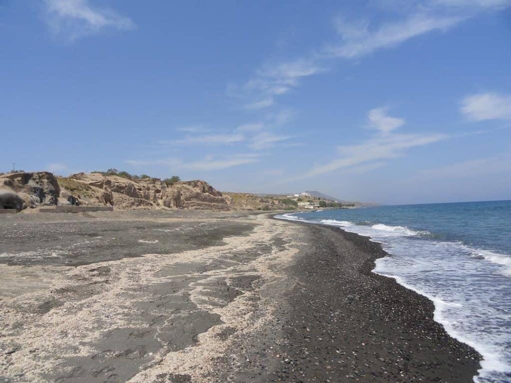 santorini-monolithos-beach