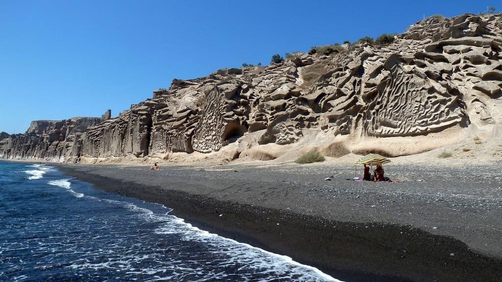 santorini-vlychada-beach